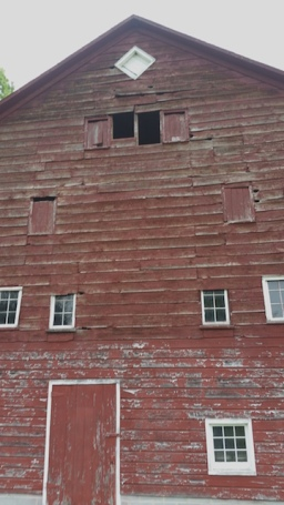 Climax barn before new siding